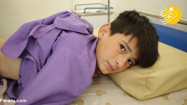 تصاویری دردناک از شلاق زدن یک کودک توسط طالبان