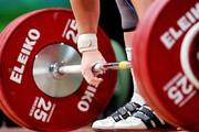 حادثه عجیب برای وزنه بردار جمهوری چک در المپیک / فیلم
