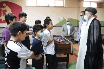 رییسجمهور با کودکان کار مرکز یاسر دیدار کرد
