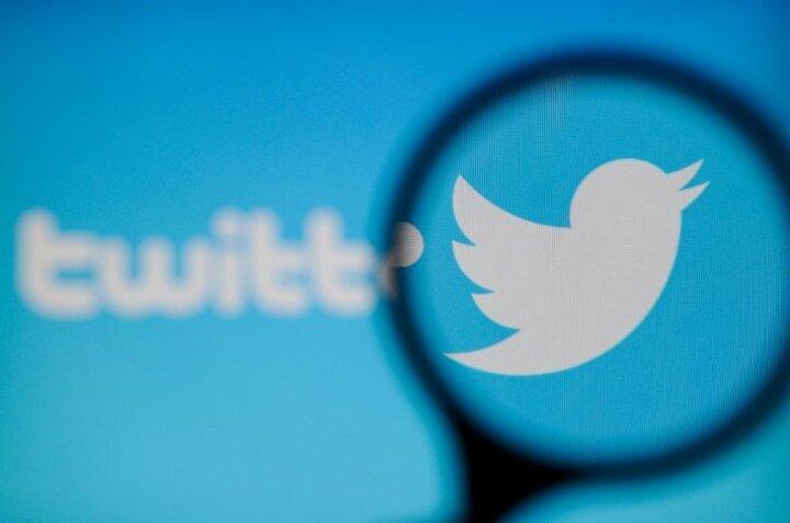 توییتر به حساب جعلی نویسنده مشهور تیک آبی داد!