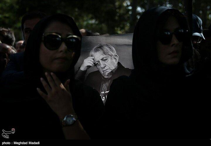 """پخش نسخه ترمیم شده فیلم """"گاو"""" از شبکه نمایش"""