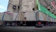 ویدیویی عجیب از قدم زدن ساختمان غول پیکر تا محل جدید