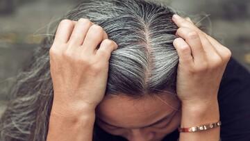 جلوگیری از سفید شدن مو با این ۹ ماده غذایی