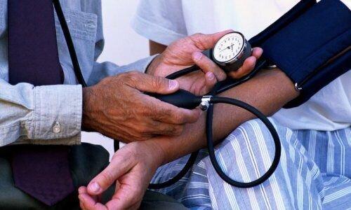 تاثیر حضور پزشک بر تغییر میزان فشار خون