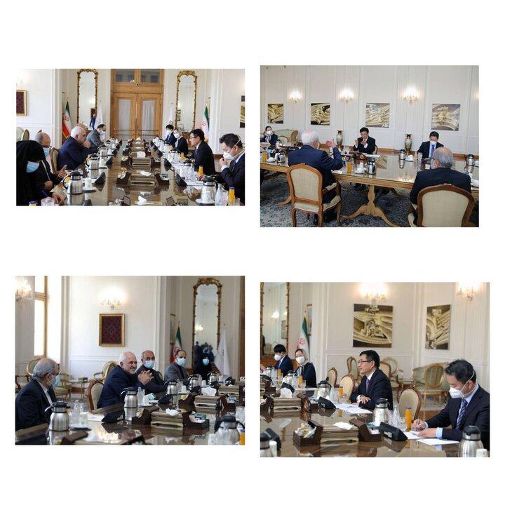 ظریف با نماینده ویژه چین در امور افغانستان دیدار کرد