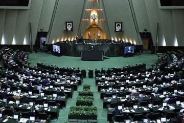 انتقاد نظری به وزیر پیشنهادی ارتباطات: زارعپور در فضای مجازی عضو نیست / فیلم