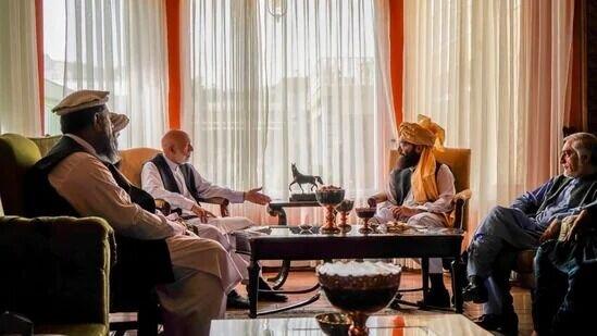 مذاکره طالبان با حامد کرزی برای تشکیل دولت جدید