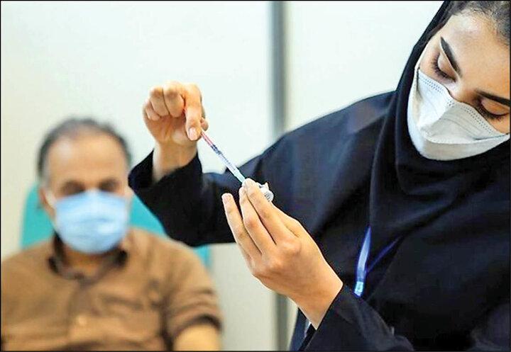 واکسیناسیون ایرانیان با واکسن صدقهای؛ چرا واکسنهای تولید داخل ایران سر از موزه در میآورند!