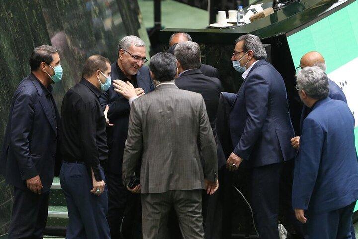 حضور وزیر بهداشت دولت رئیسی در مجلس بدون ماسک / عکس