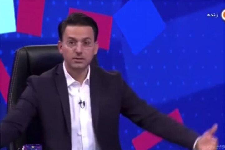اظهارات عجیب مجری تلویزیون پشتسر عادل فردوسیپور وقتی تصور کرد که برنامه قطع شده است! / فیلم