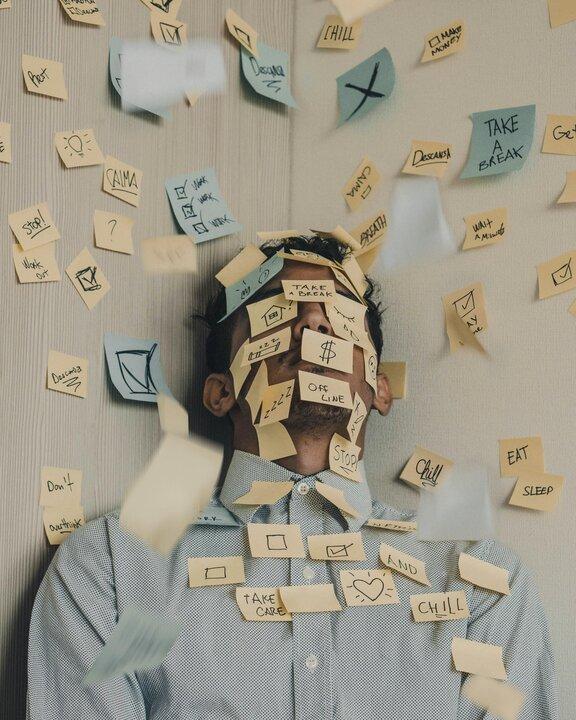 احساس ناکارآمدی چیست و چگونه میتوان به آن غلبه کرد؟