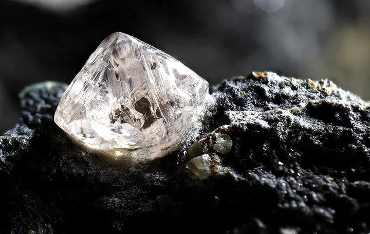 کشف جالب محققان درباره نحوه تشکیل ۲ نوع الماس نادر