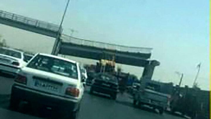 سقوط وحشتناک پل عابر پیاده در اتوبان ذوبآهن / عکس