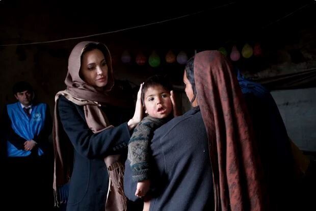 واکنش تند آنجلینا جولی به نحوه خروج آمریکا از افغانستان