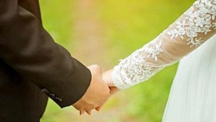 وقتی پول باعث میشود با یک پیرزن ۸۲ ساله ازدواج کنی + عکس