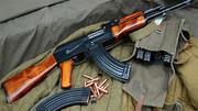 فروشنده مسلح مواد مخدربا ۱۸۰ فشنگ جنگی کلاشینکف در آبادان دستگیر شد
