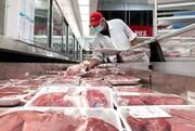 کاهش عجیب مصرف گوشت قرمز در بین ایرانیان /  اقشار کم درآمد دیگر توان خرید نان و ماست را هم ندارند