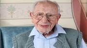 راز طول عمر عجیب پیرترین مرد بریتانیایی با ۱۰۹ سال سن / عکس