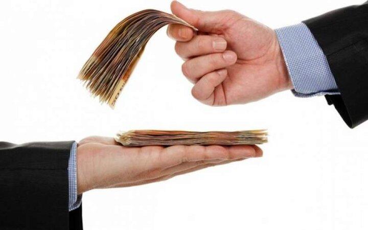 ۲۵ درصد افزایش حقوق در برابر پاداش چند صد میلیونی / مرضِ حقوق نجومی چگونه دامن اقتصاد را گرفت؟