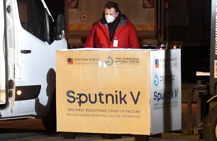 واکنش کیانوش جهانپور به تولید واکسن اسپوتنیک در ایران و ارسال آن به روسیه