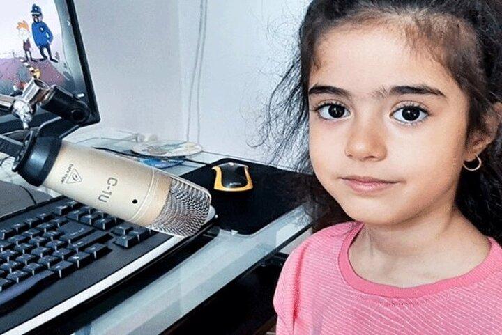 دختر ۶ ساله ایرانی مسلط به ۲ زبان که ۲۵ شاگرد دارد! / فیلم