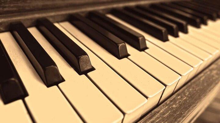 تصاویری جالب از یک پیانوی کوچک و قابل حمل /فیلم