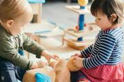 چه کار کنیم که فرزندمان کمتر با موبایل بازی کند؟