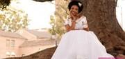 ازدواج عجیب هفتاد زن انگلیسی با درخت / عکس