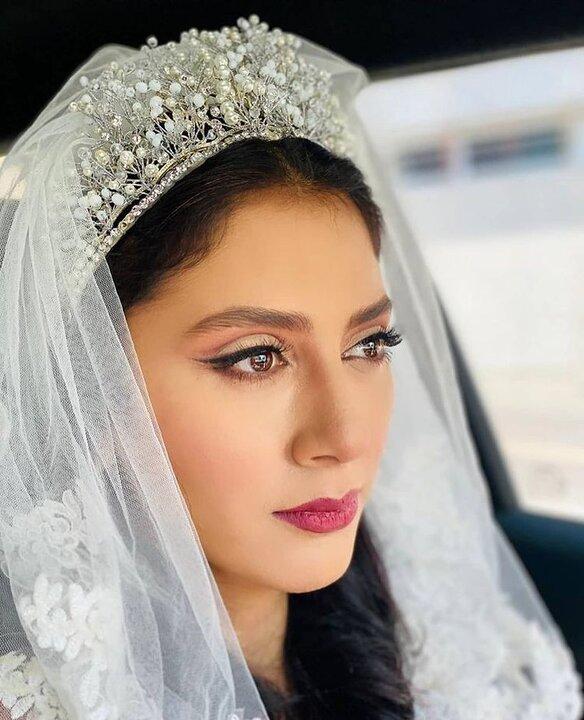 مونا فرجاد ازدواج کرد / عکس