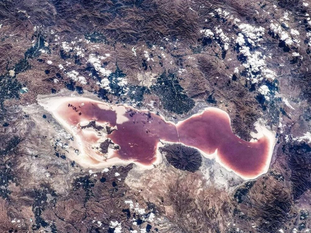 تصویری دلخراش از دریاچه ارومیه از فضا / عکس