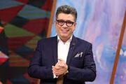 سقوط جالب و خندهدار سه شرکت کننده برنامه تلویزیونی در گودال مسابقه / فیلم