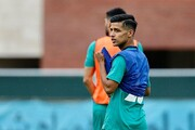 دیدار قایدی با بازیکنان استقلال در ورزشگاه الوصل امارات / عکس
