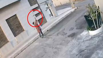سرقت عجیب کابل تلفن توسط دختر نوجوان شیک پوش بهبهانی در روز روشن / فیلم