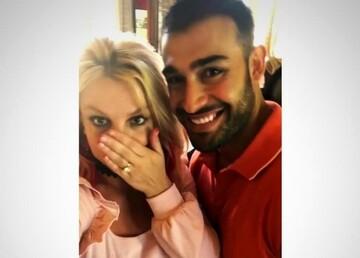 ازدواج خواننده سرشناس خارجی با جوان ایرانی | حلقه ازدواج بریتنی و سام اصغری / عکس