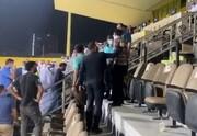 اعتراض هواداران استقلال به فرهاد مجیدی پس از باخت مقابل الهلال / فیلم