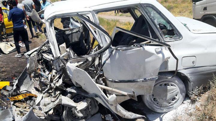 تصادف رانندگی وحشتناک در صومعه سرا / پراید تابوت مرگ ۵ نفر شد!