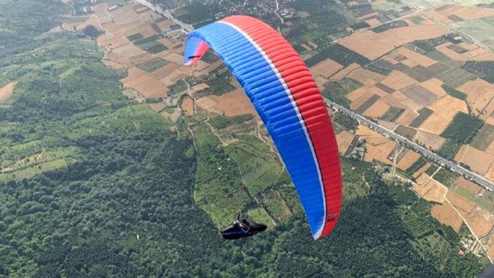 اتفاق هولناک برای خلبان پاراگلایدر در آسمان سوادکوه