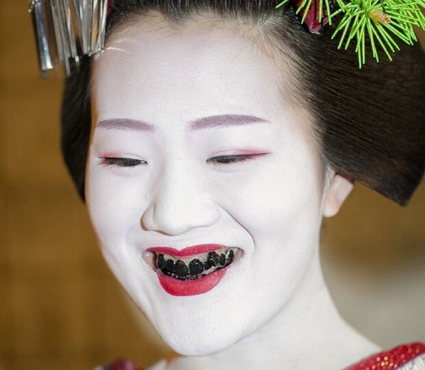 ۸ معیار عجیب زیبایی در کشورهای آسیایی را بشناسید