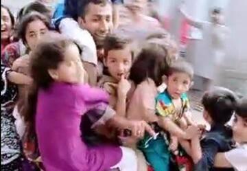 ویدیو وحشتناک از سوارکردن ۱۵ کودک روی موتور!