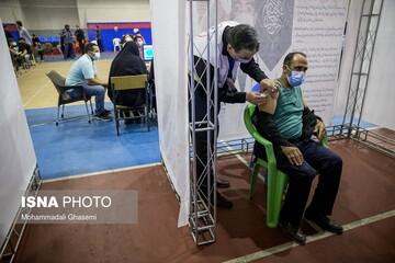 ایران رکورد جهانی واکسیناسیون هفتگی کرونا را شکست