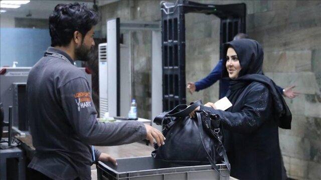 بازگشت کارکنان زن فرودگاه کابل به سرکارشان