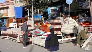 فروش لوازم منزل در خیابانهای کابل به دلیل فقر و بیکاری / عکس