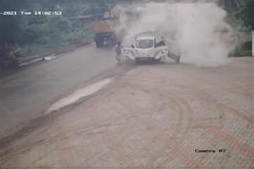 فیلمی هولناک از لحظه انفجار سیلندر گاز در یک ماشین