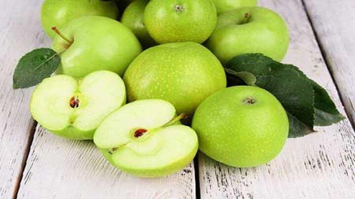 با خوردن این میوهها دندان خود را تمیز کنید!