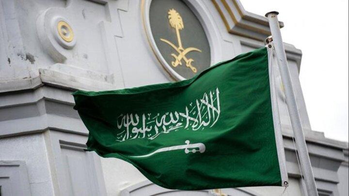 رقص شمشیر سفیر ژاپن در عربستان جنجالی شد / فیلم