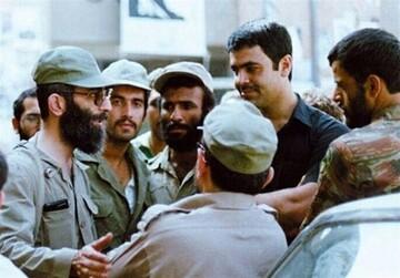 حضور رهبر انقلاب در خط مقدم جبهه / فیلم