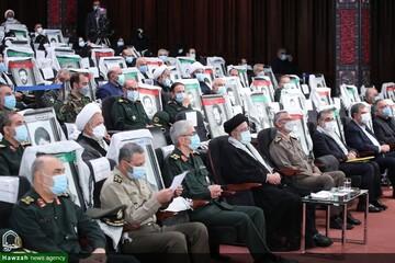 حضور رییسجمهور در نمایشگاه ملی «در لباس سربازی» / تصاویر