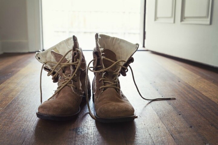 چگونه کفش جیر را تمیز کنیم؟