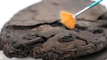 کشف کیک عجیب که پس از ۷۹سال همچنان سالم است! / عکس