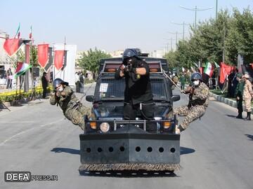 رژه خودرویی نیروهای مسلح در شهرکرد / تصاویر